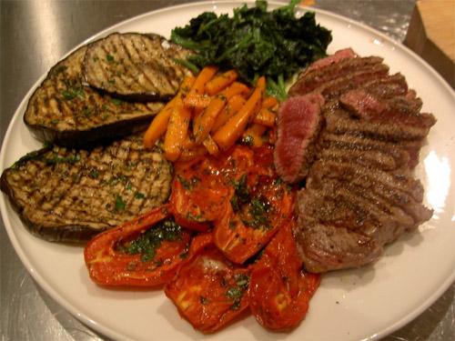 Bistecche di Manzo grigliate con Verdure